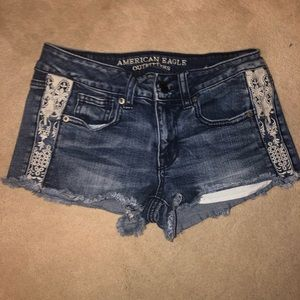 American Eagle cut off shorts w/ lace accents!